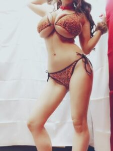 Leopard bikini Hitomi tanaka